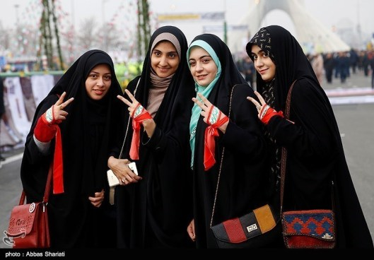 Iranian_Girls_in_the_22_Bahman_2017_rally_by_Tasnimnew.com07